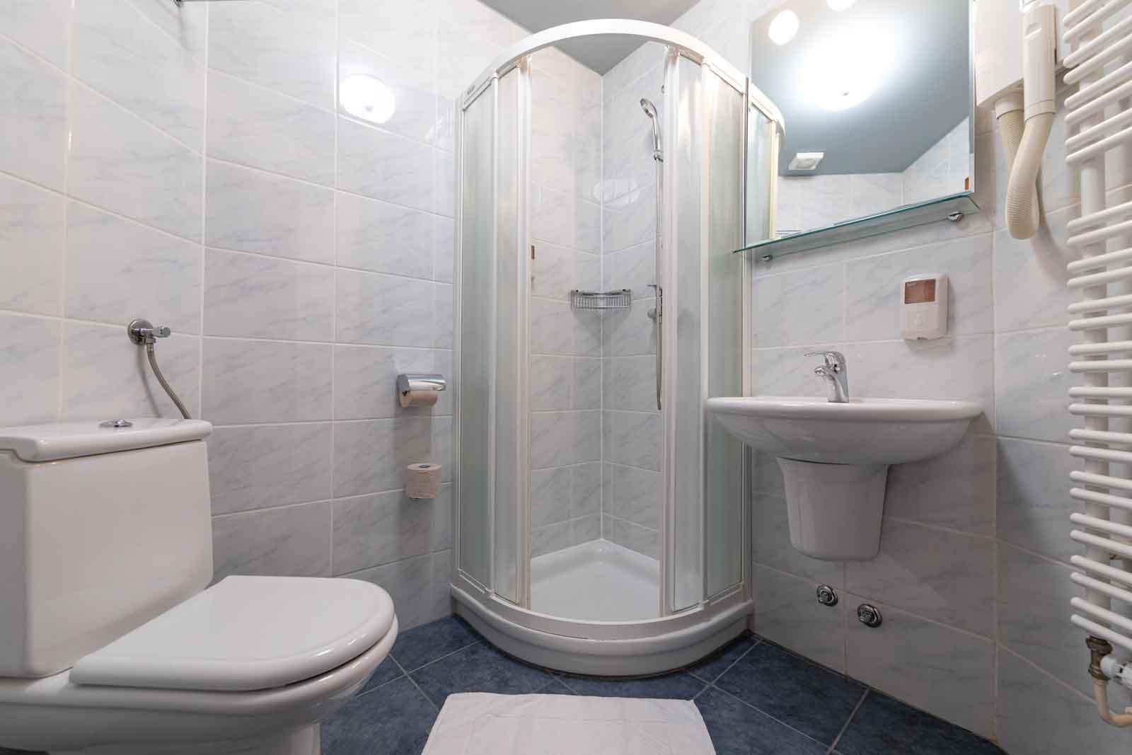 Hotel Špica Laško -kopalnica